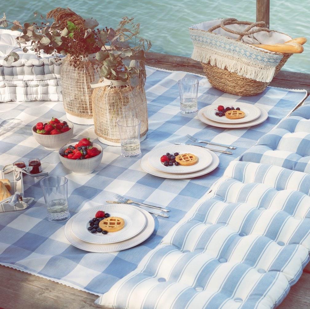 Blanc MariClo' - tessile blue e bianco - Tovaglie e cuscini linea Portofino - Blog