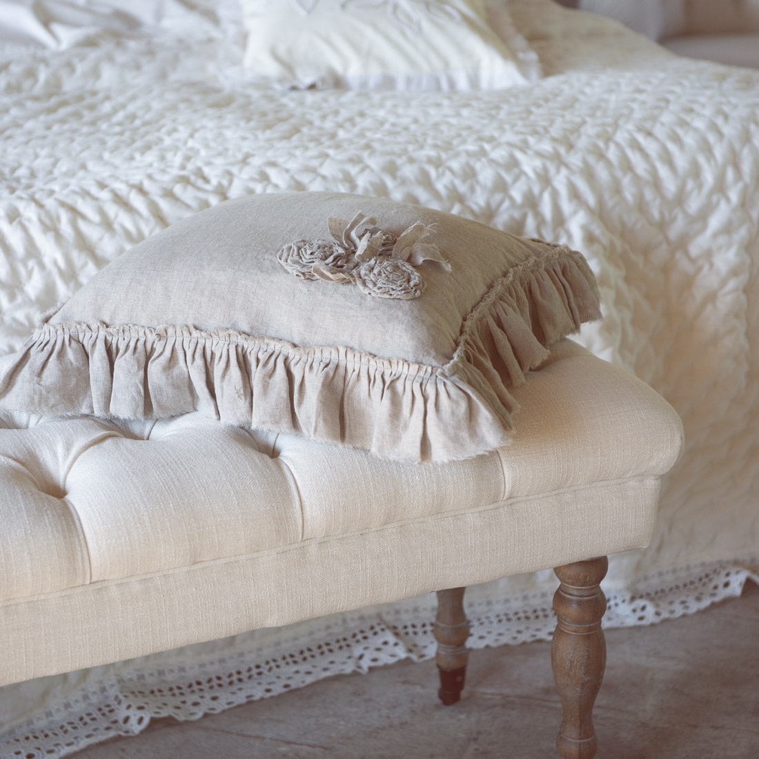 Blanc MariClo' - Cuscino su panca imbottita - Blog